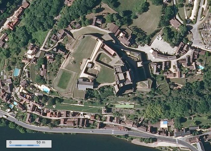 Chateau de Beynac sur Geoportail