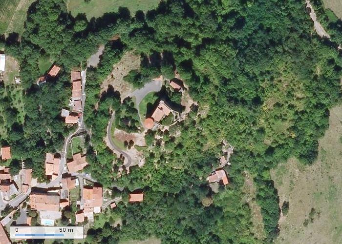 Chateau de Busséol sur Geoportail
