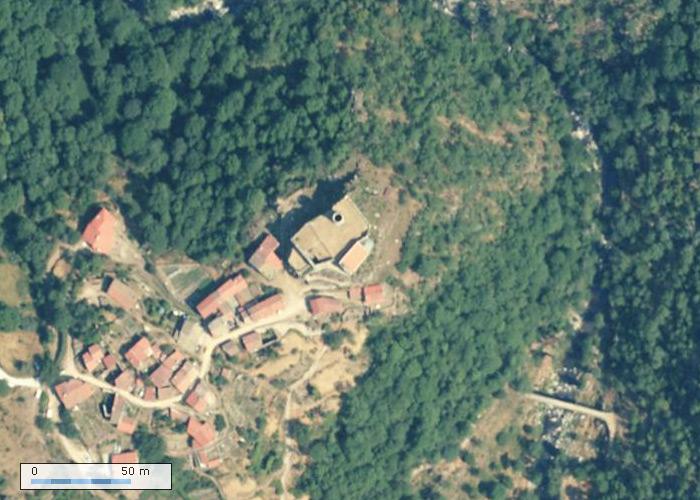 Chateau de Chalencon sur Geoportail