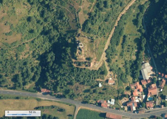 Chateau de Montgon sur Geoportail