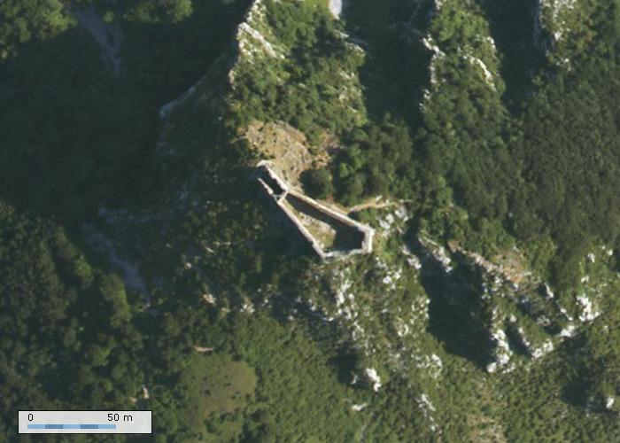 Chateau de Montsegur sur Geoportail